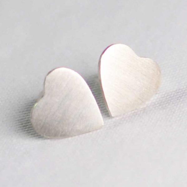 Χειροποίητα σκουλαρίκια ασημί καρδιές