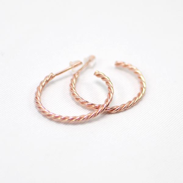 Χειροποίητα σκουλαρίκια κρίκοι ροζ χρυσοί braid