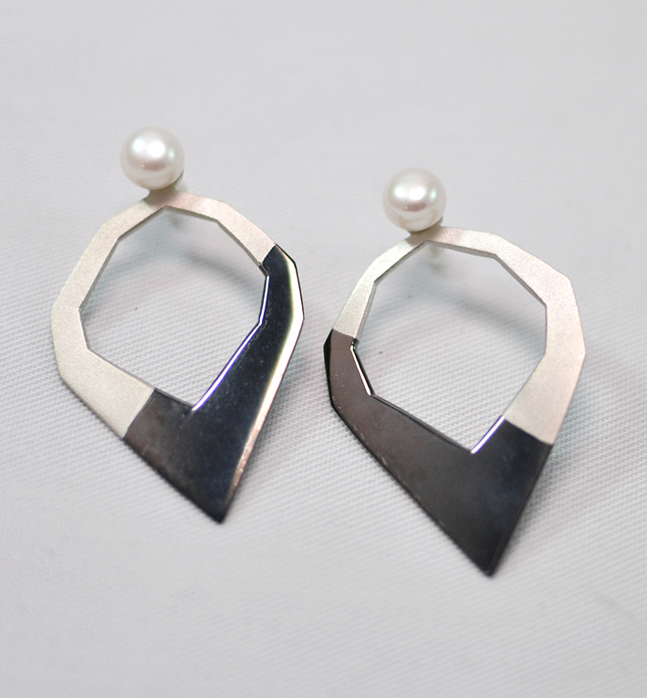 Χειροποίητα πολυγωνικά μεταλλικά σκουλαρίκια savvy