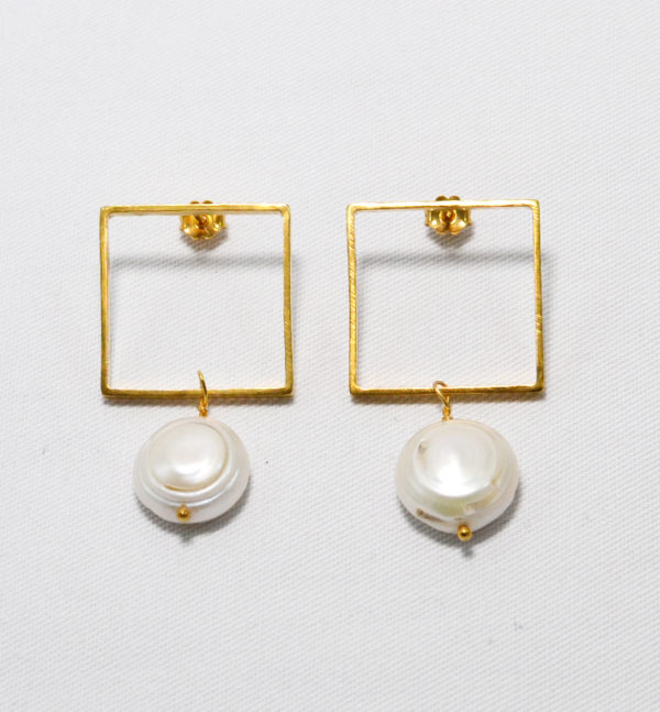 Χειροποίητα γεωμετρικά σκουλαρίκια με μαργαριτάρια narcissus